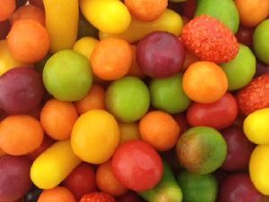 COLOURFUL FRUIT SWEETS